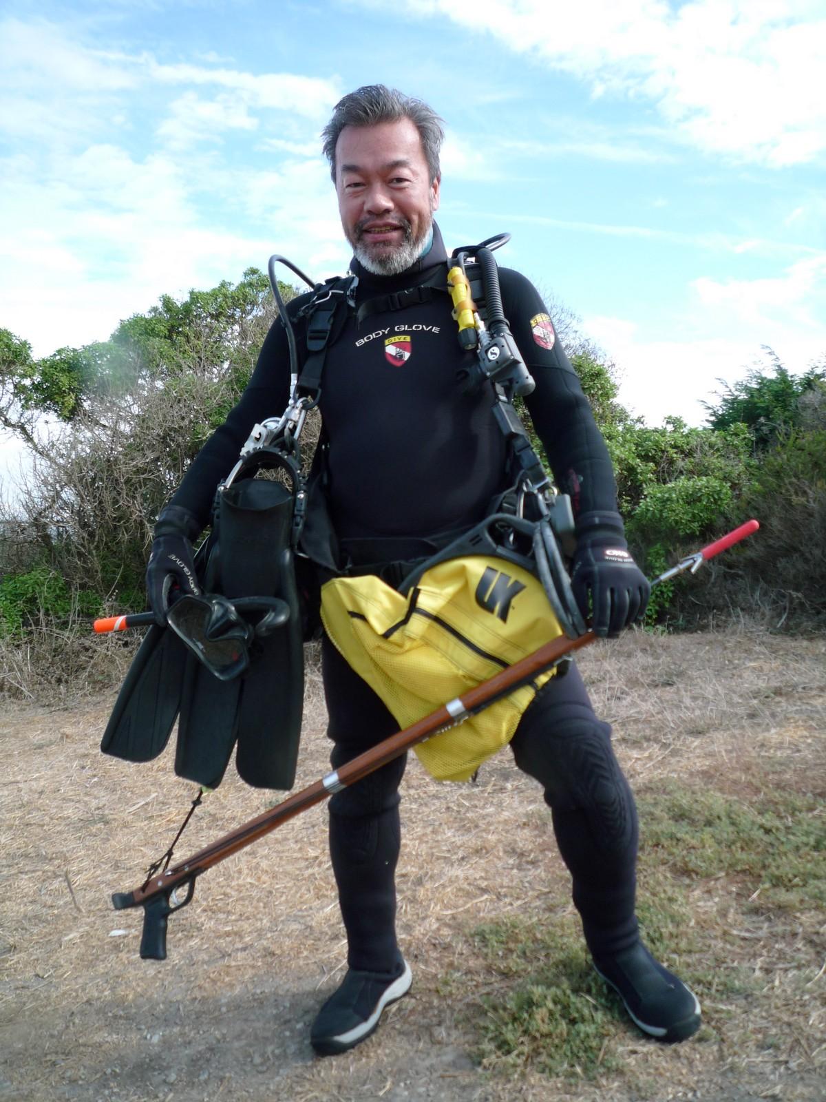 KCさん、崖にてフル装備